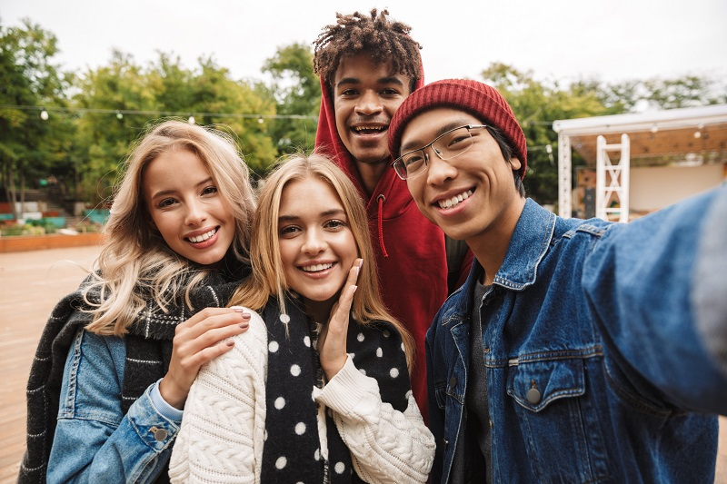 Gen Z: Who Are We? 6 Tips For Marketing to a New Generation